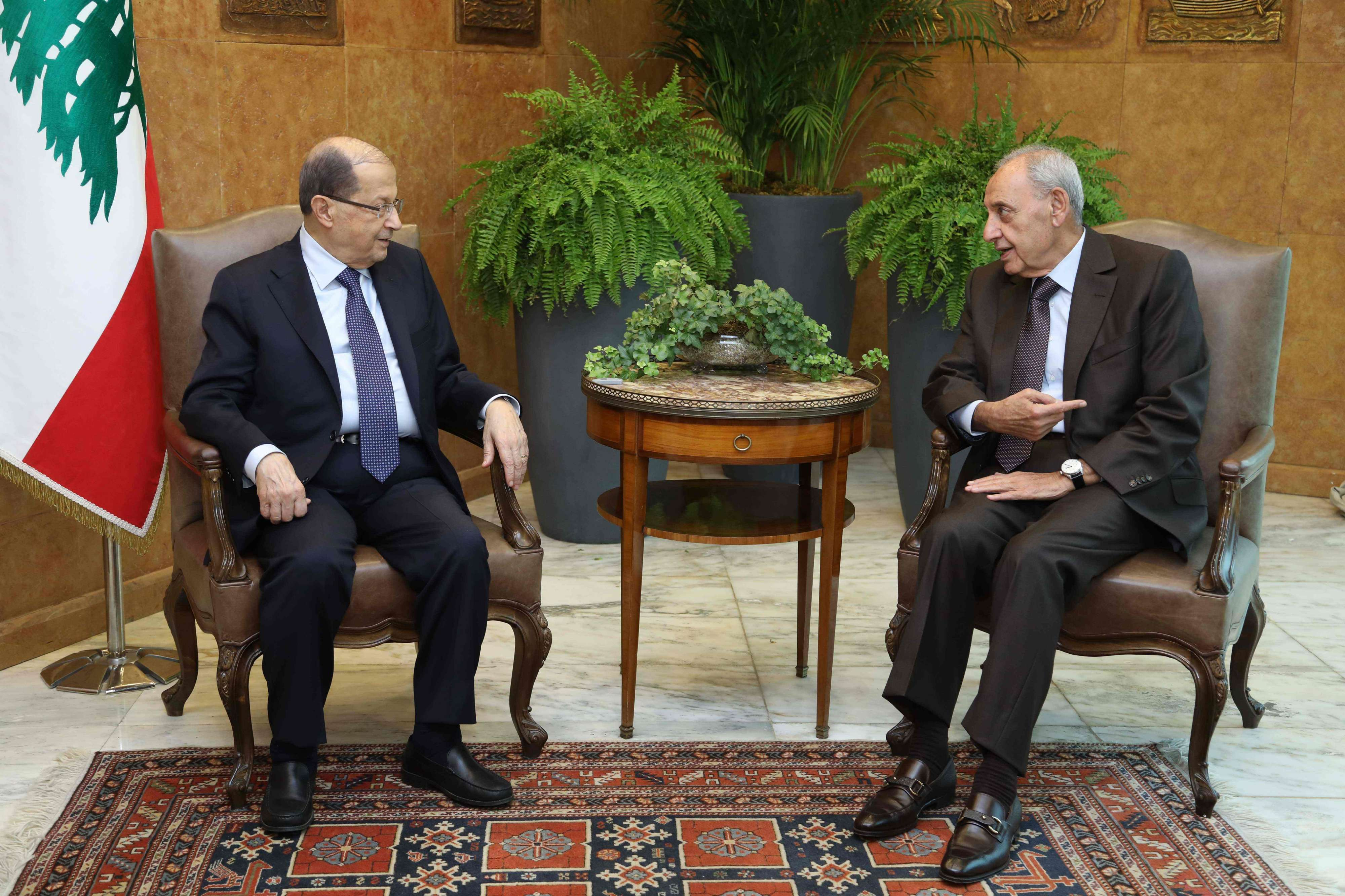 Lebanese President Michel Aoun (L) meeting with Parliament Speaker Nabih Berri at the presidential palace in Baadba, on November 27. (AFP/ DALATI AND NOHRA)