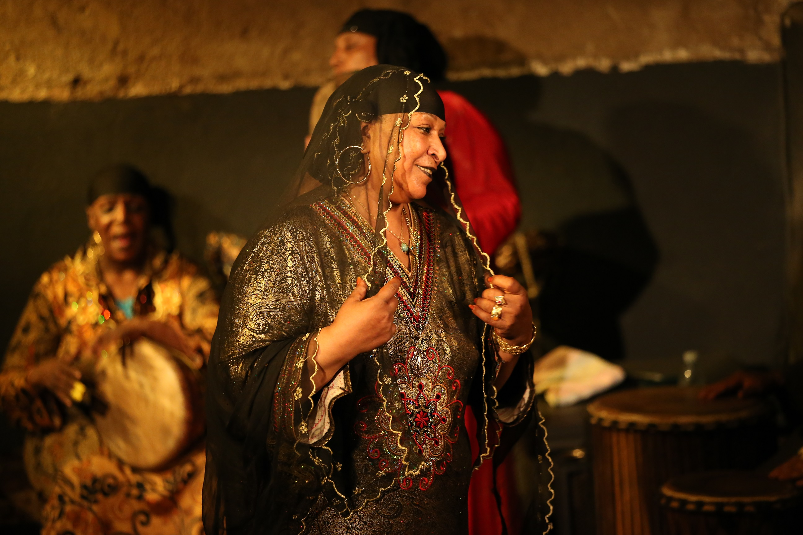 Om Sameh performs on the stage of the Egyptian Centre for Culture and  Arts-Makan in Cairo. (Marwa al-A'sar)