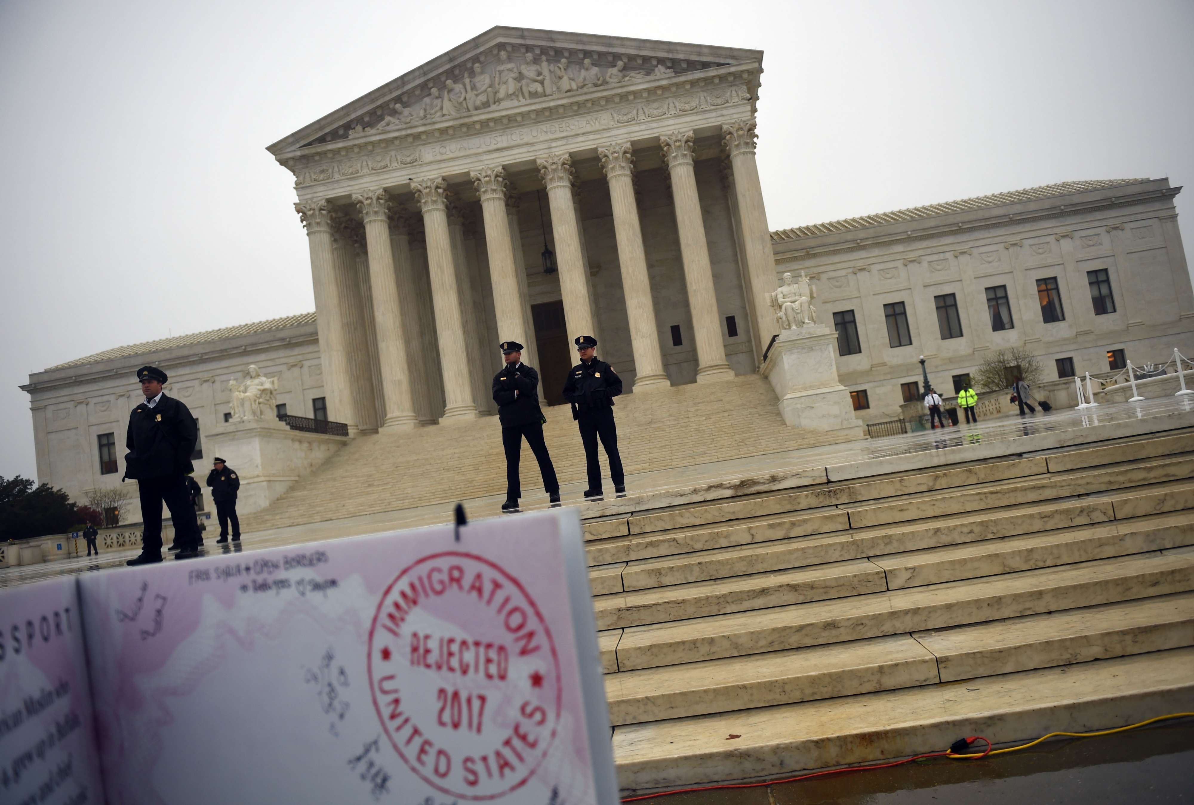 In front of the US Supreme Court on April 25, 2018. (AFP)