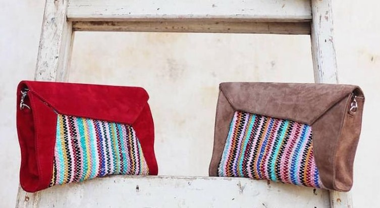 Different models of cotton clutch bags. (IDYR)
