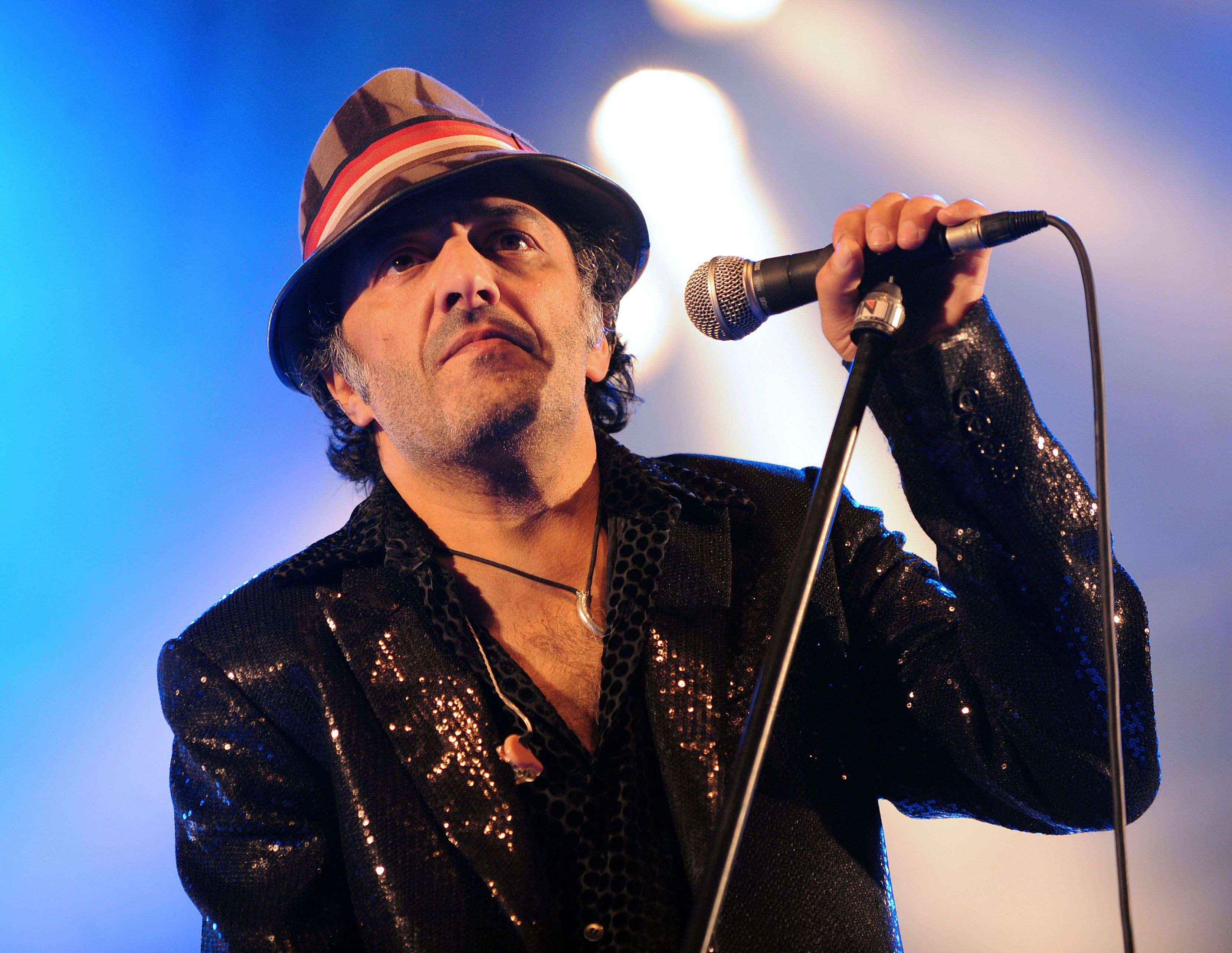 A file picture shows Algerian singer Rachid Taha performing in Toulouse for the 15th edition of the Rio Loco festival. (AFP)