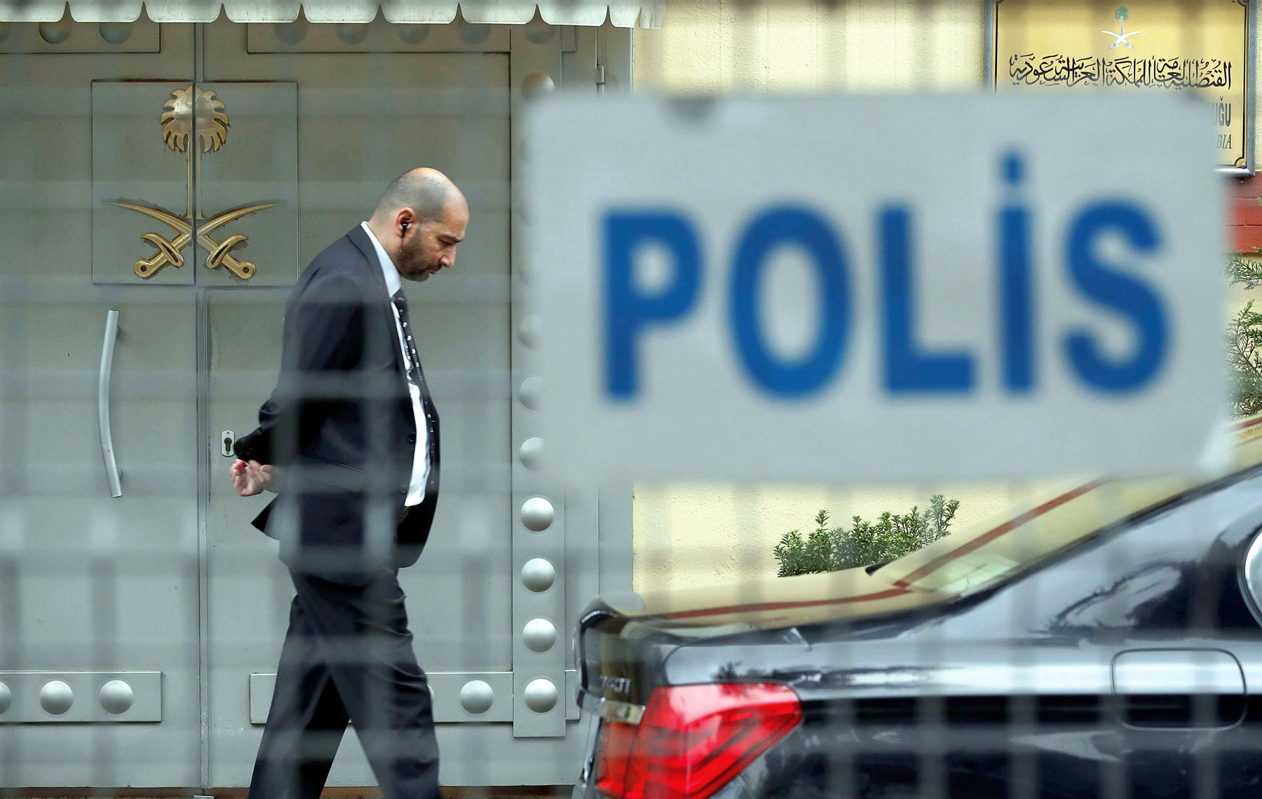 A member of security staff stands at the entrance of Saudi Arabia's Consulate in Istanbul, on October 20. (Reuters)