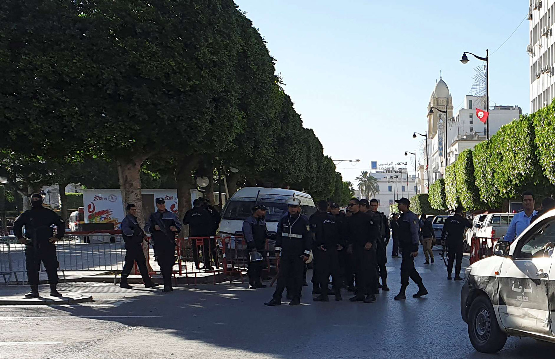 Police close off the area near the site of an explosion in the center of the Tunisian capital Tunis, Tunisia October 29, 2018. (Reuters)