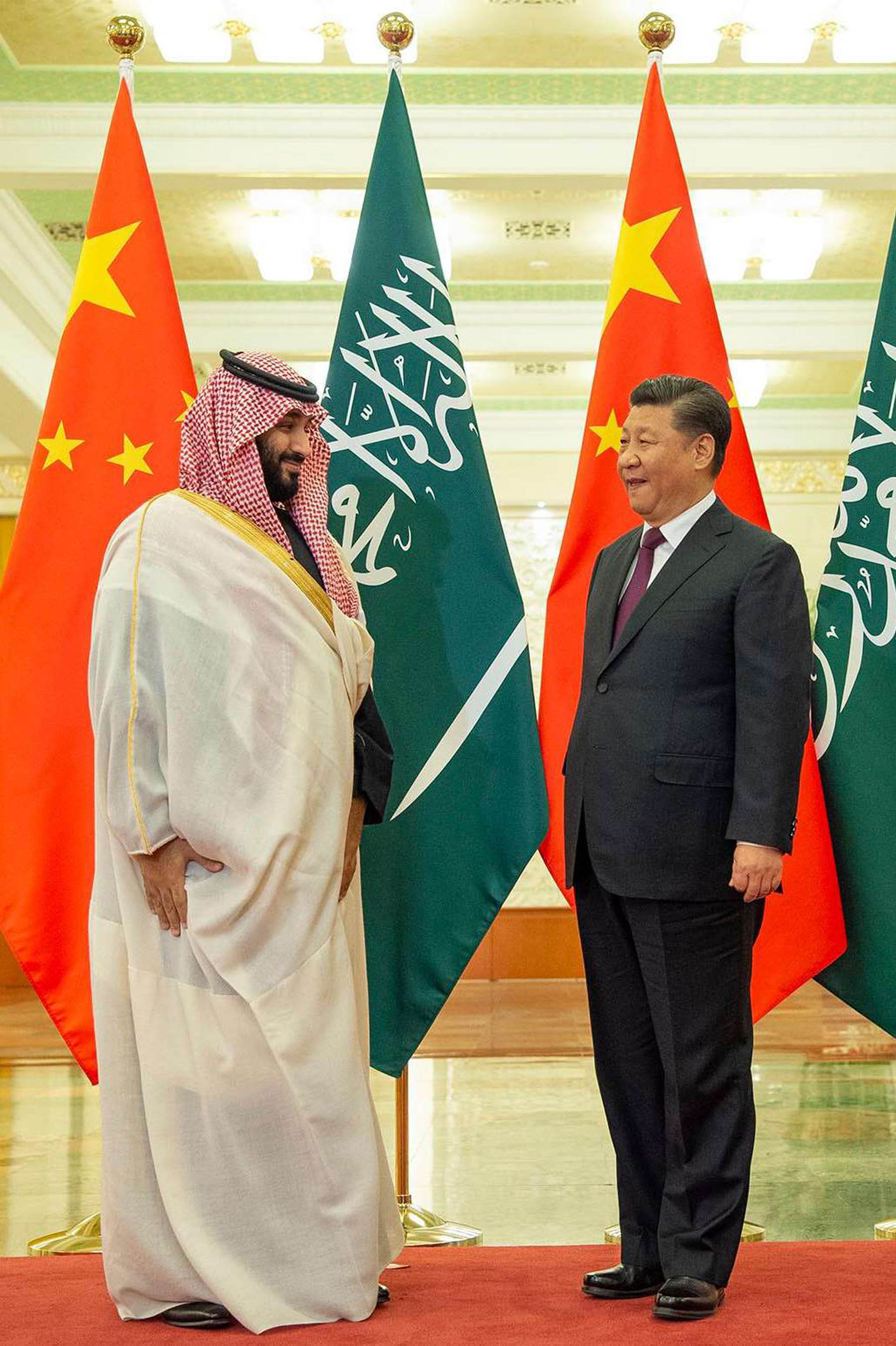 Diversification strategy. Chinese President Xi Jinping (R) meets with Saudi Crown Prince Mohammed bin Salman bin Abdulaziz at the Great Hall of the People in Beijing, February 22. 	             (SPA)