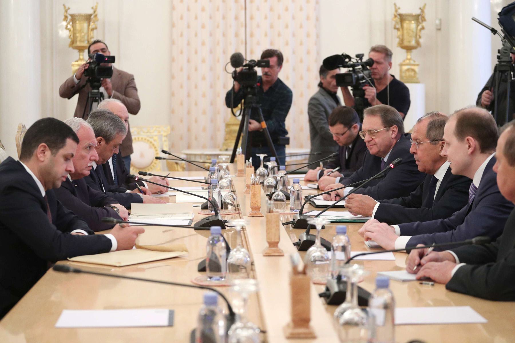 Russian Foreign Minister Sergey Lavrov (3-R) meets with Palestinian National Authority Foreign Minister Riyad al-Maliki (2-L) in Moscow, last December. (DPA)