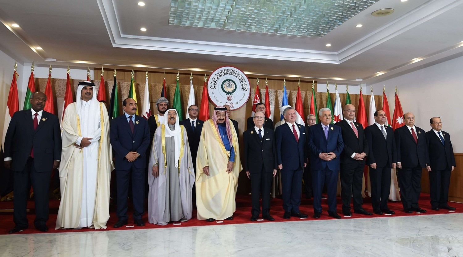 Arab leaders pose for a photograph during the 30th Arab League summit in the Tunisian capital Tunis on March 31, 2019. (AFP)