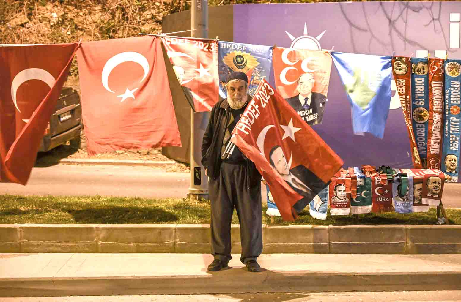 An embarrassing setback. An AKP supporter stands near the headquarters of the party in Istanbul, March 31. (AFP)