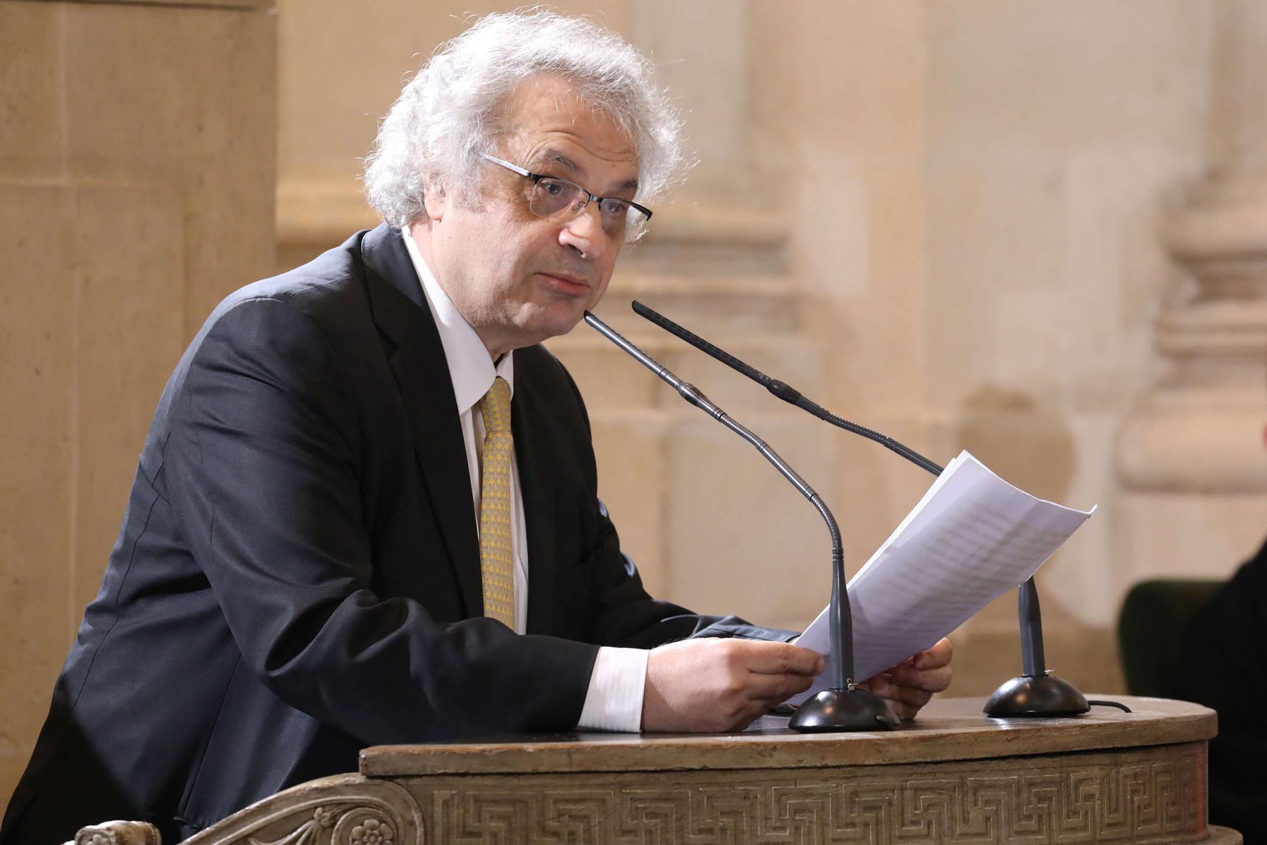 Lebanese-French writer and academician Amin Maalouf speaks during a ceremony at the French Institute in Paris. (Reuters)