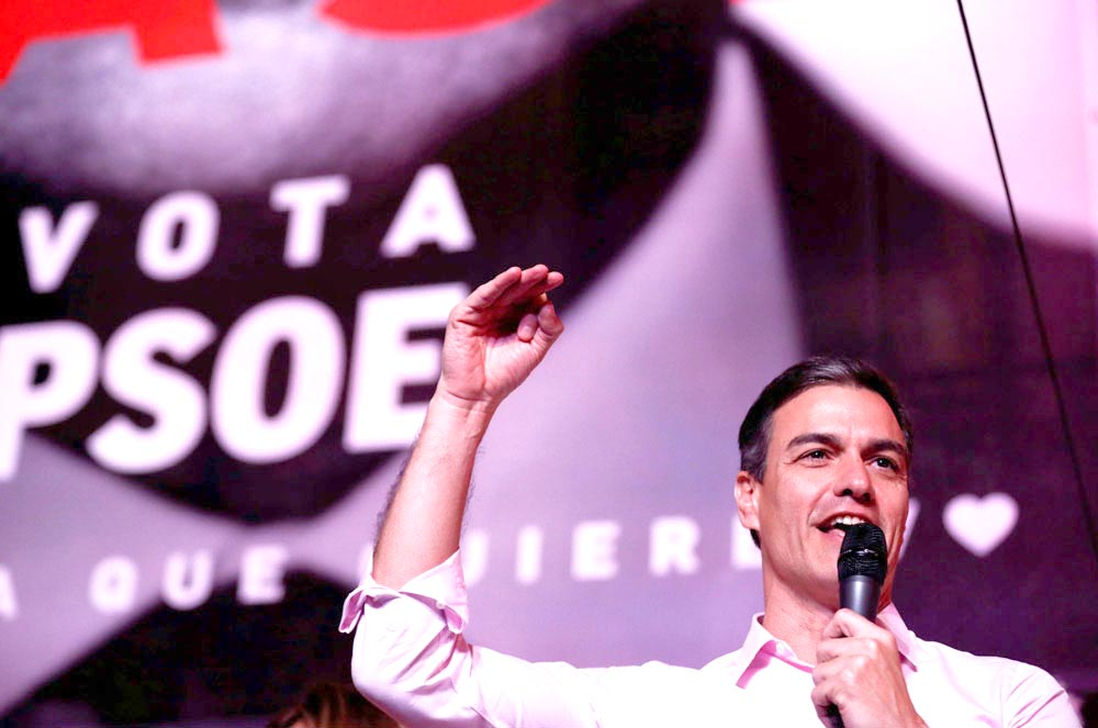 Spanish Prime Minister Pedro Sanchez, of the Socialist Workers' Party, speaks to  supporters while celebrating the result in Spain's general election in Madrid, April 28.         (Reuters)