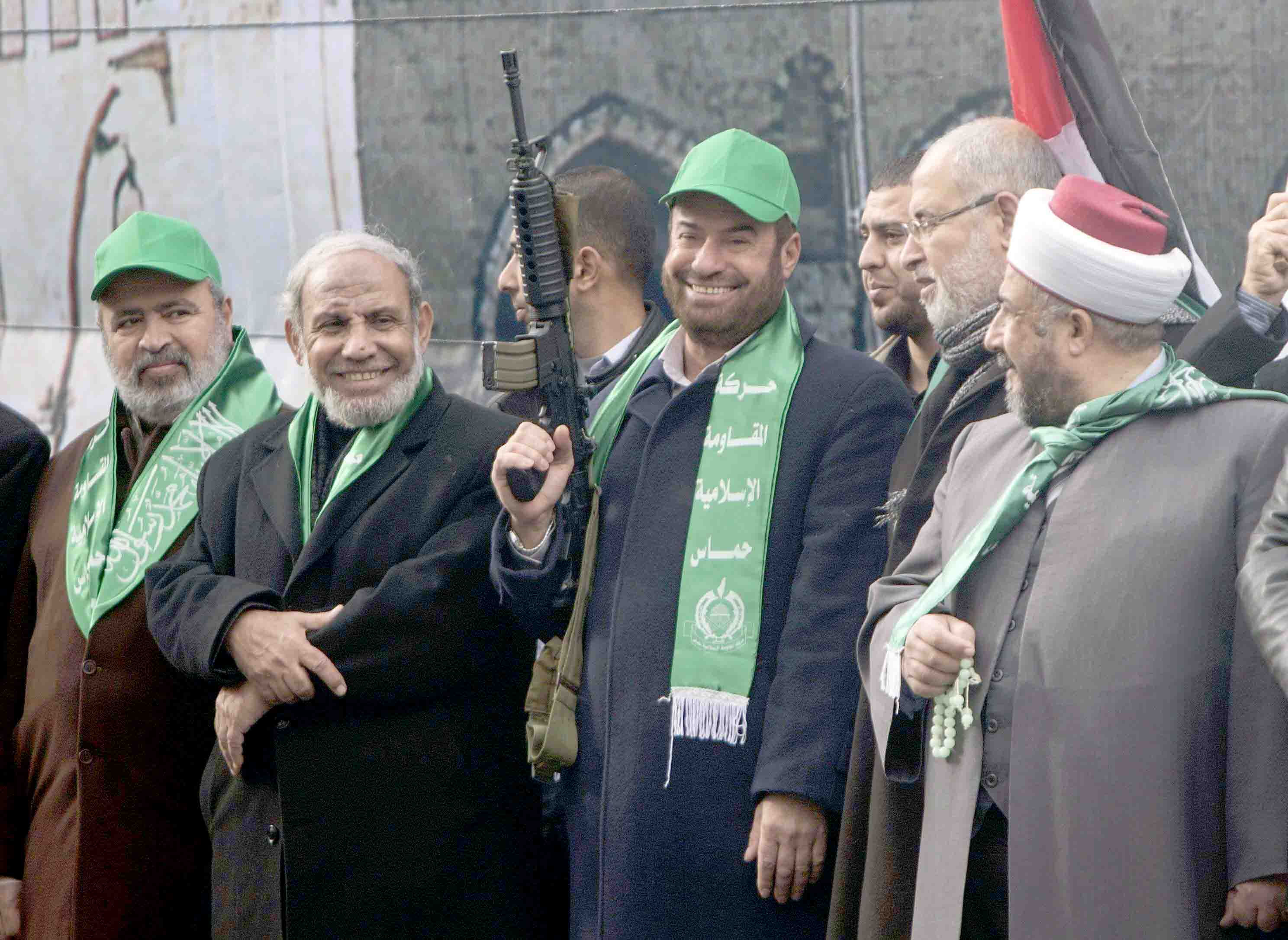 Same old show. A 2016 file picture show Hamas leaders Fathi Hammad (3L) and Mahmoud al-Zahar (2L) take part in a rally in Gaza City. (AFP)