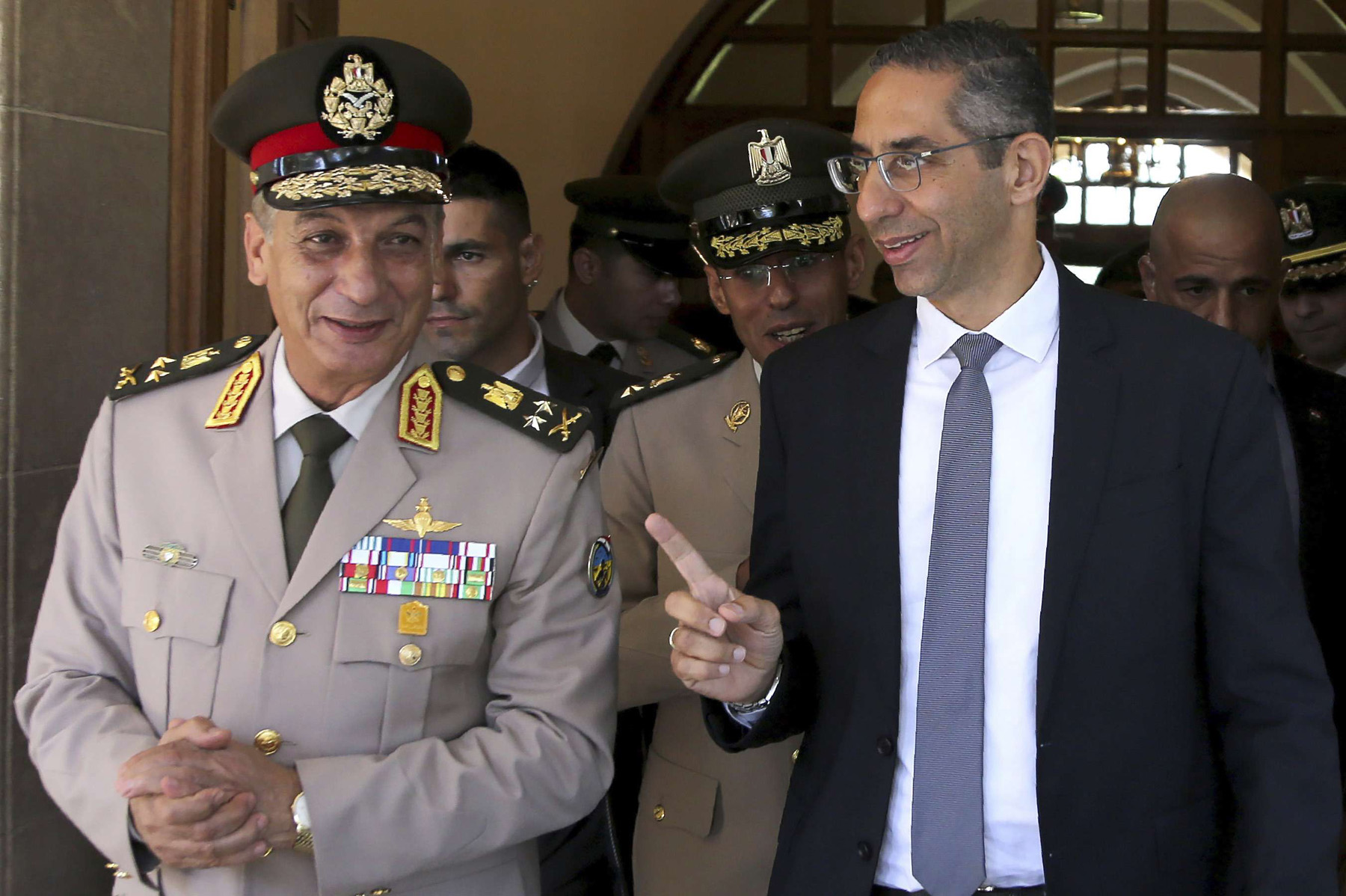 Cypriot Defence Minister Savvas Angelides (R) talks with his Egyptian counterpart Lieutenant-General Mohamed Ahmed Zaki in Nicosia, September 11. (AP)