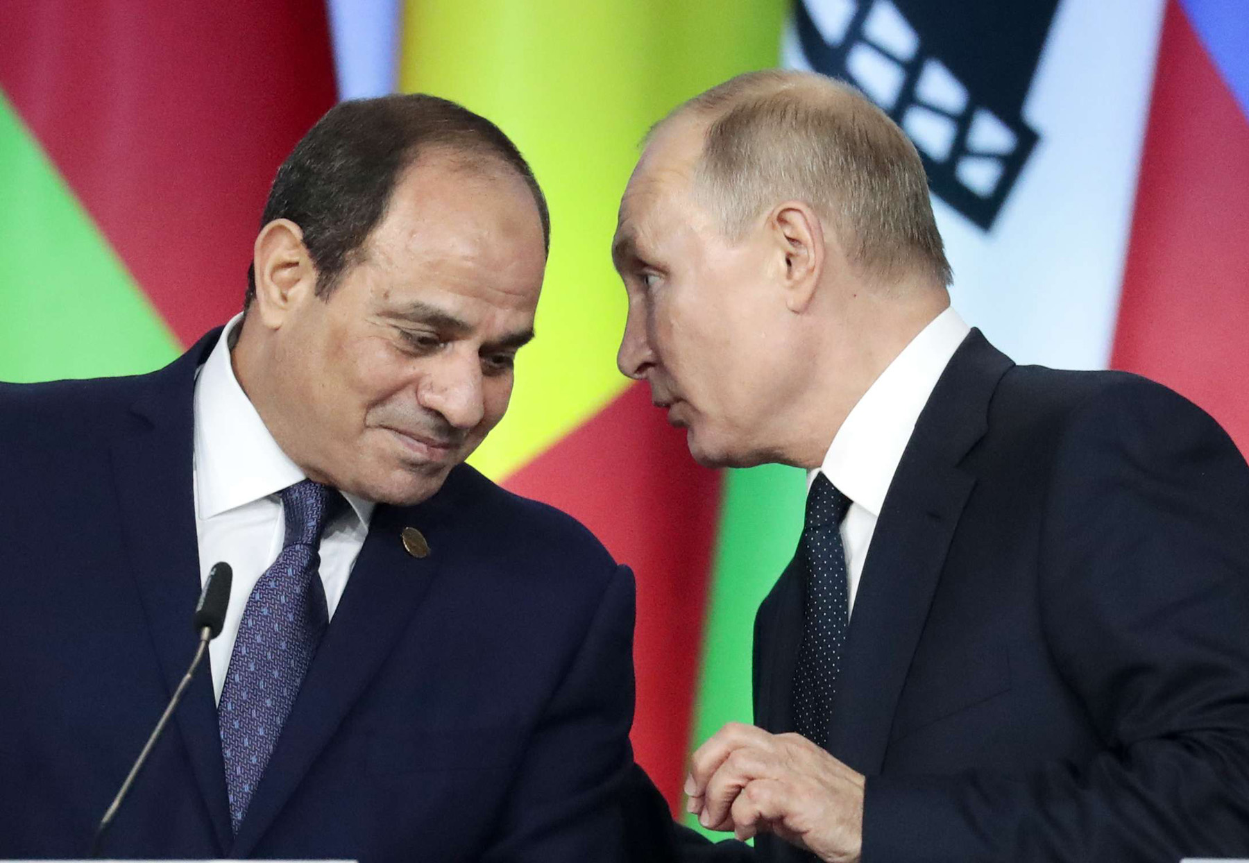 Russian President Vladimir Putin (R) speaks with Egyptian President Abdel Fattah al-Sisi at the Russia-Africa summit in Sochi, October 24. (AP)