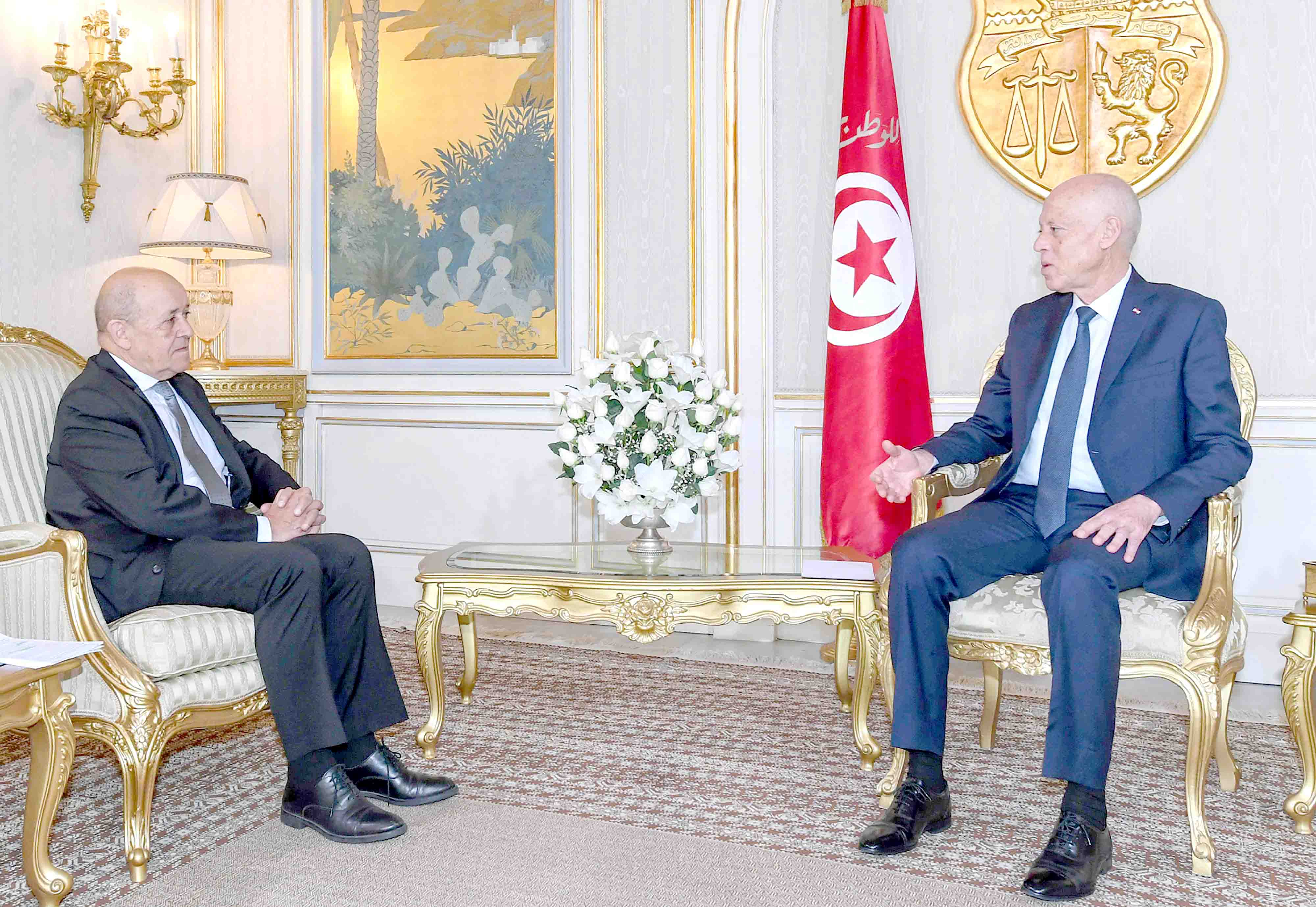 Mounting concerns. Tunisian President Kais Saied (R) meets with French Foreign Affairs Minister  Jean-Yves Le Drian at the presidential palace in Carthage for talks on the Libyan crisis, January 9.(AFP)