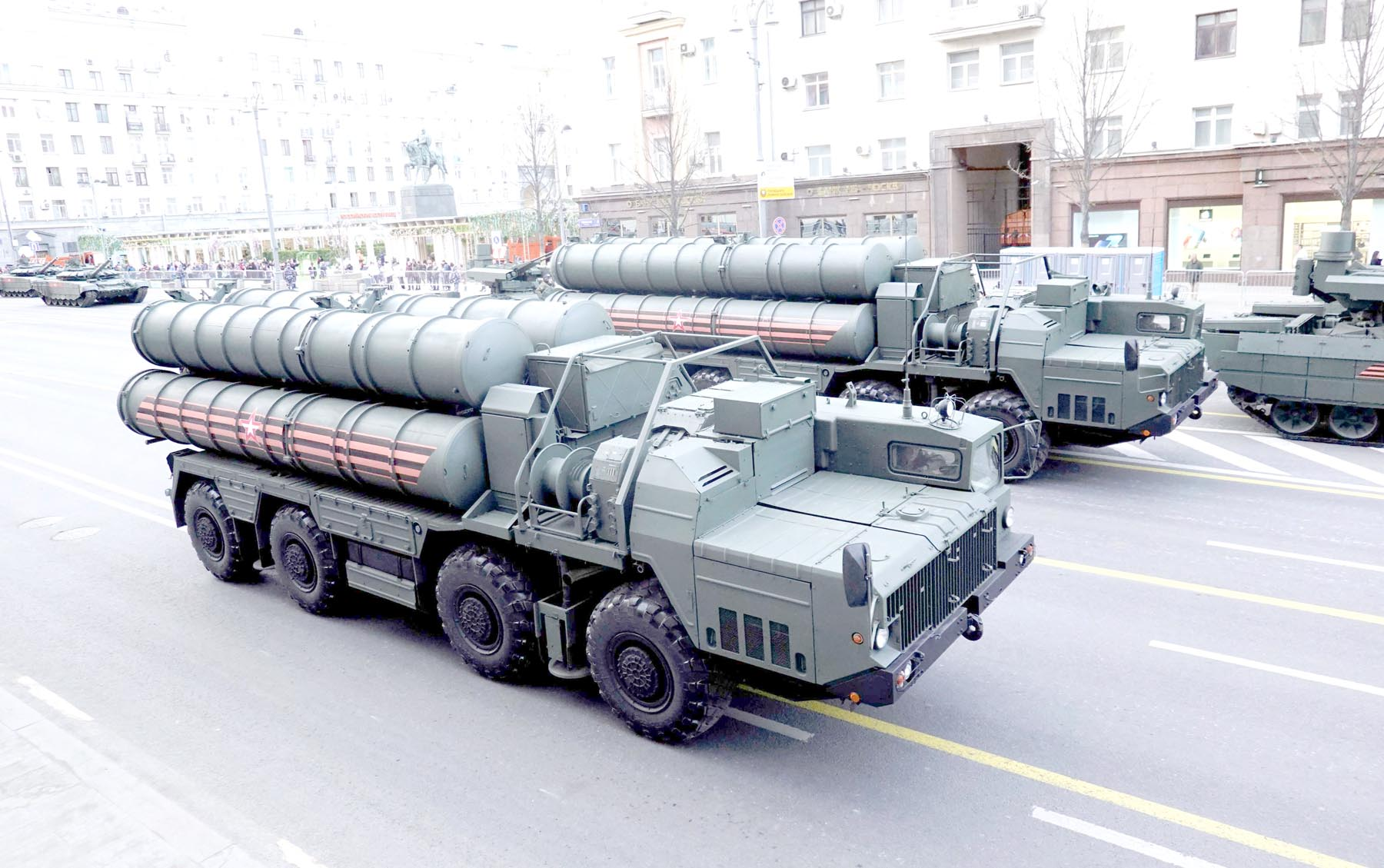 Coming to Baghdad? S-400 missile air defence systems in central Moscow, Russia.                        (Reuters)
