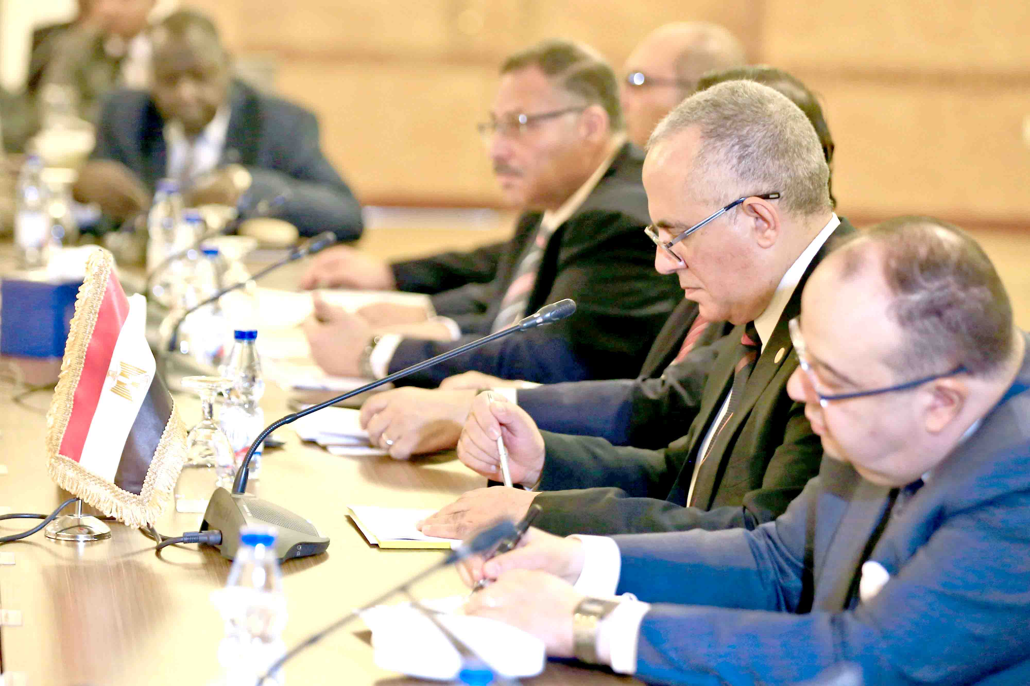 Egyptian Water Resources Minister Mohamed Abdel Aati (2nd R) participates with a delegation in the Renaissance Dam trilateral negotiations in Khartoum, last October. (AFP)