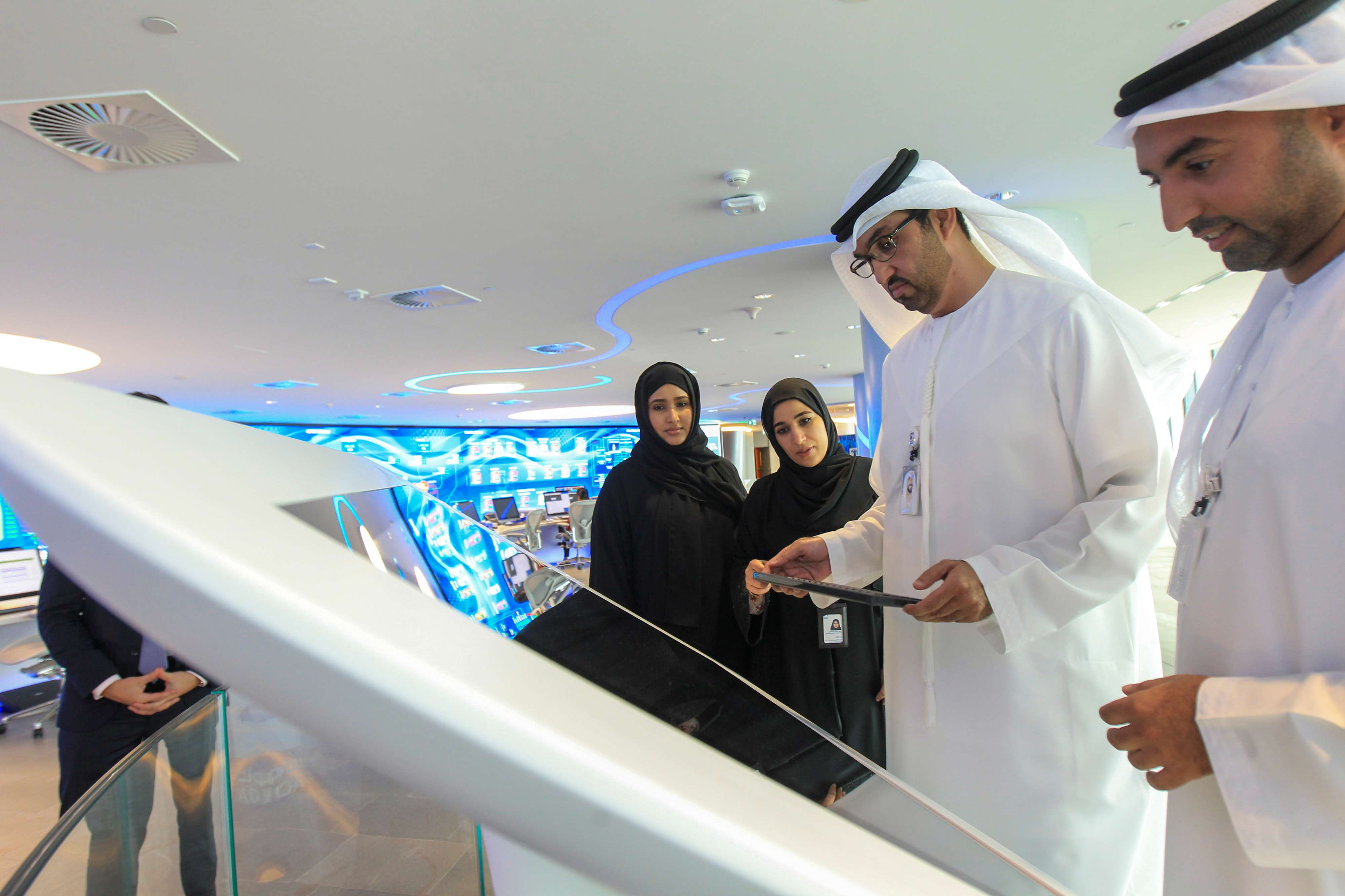 Sultan Ahmed Al Jaber, UAE Minister of State and the Abu Dhabi National Oil Company (ADNOC) Group CEO talks to employees at the Panorama Digital Command Centre at the ADNOC headquarters in Abu Dhabi, UAE December 10, 2019. (Reuters)