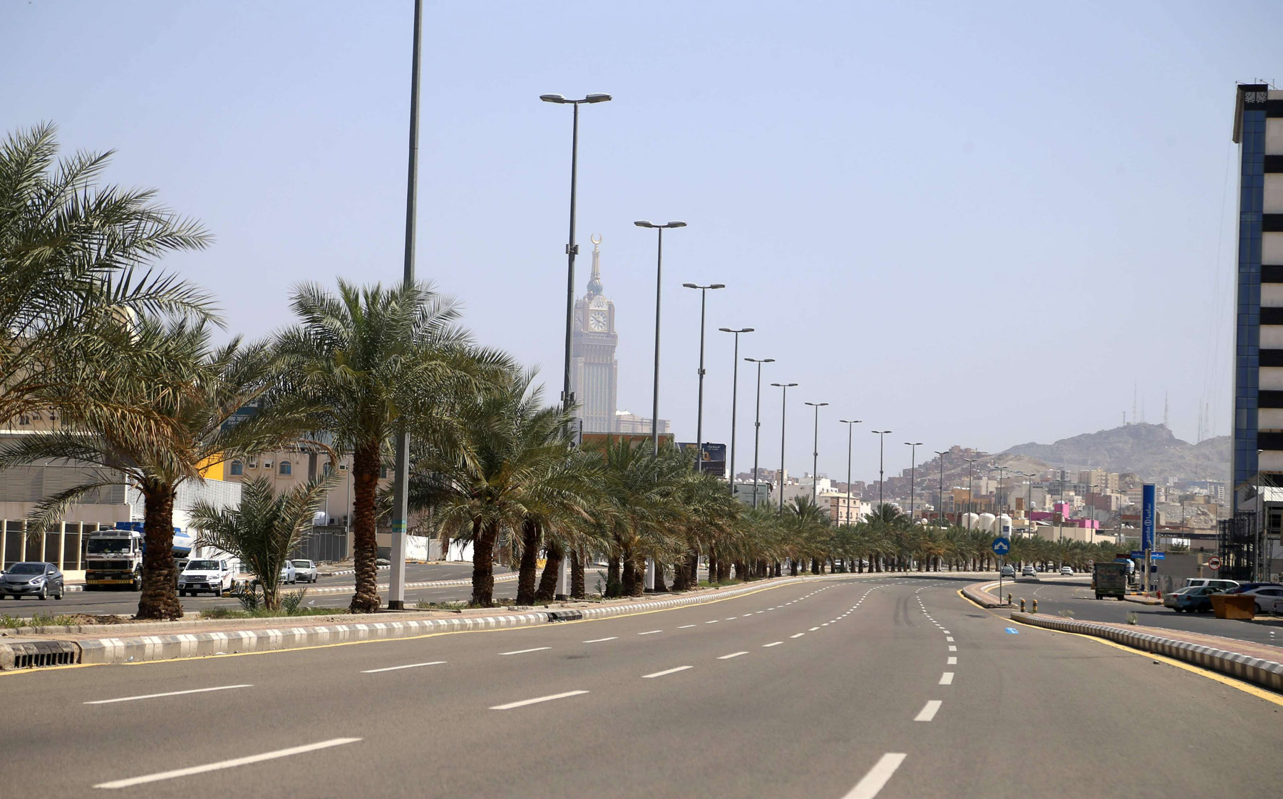 A picture shows an empty street in Saudi Arabia's holy city of Mecca during the pandemic lock-down. (AFP)