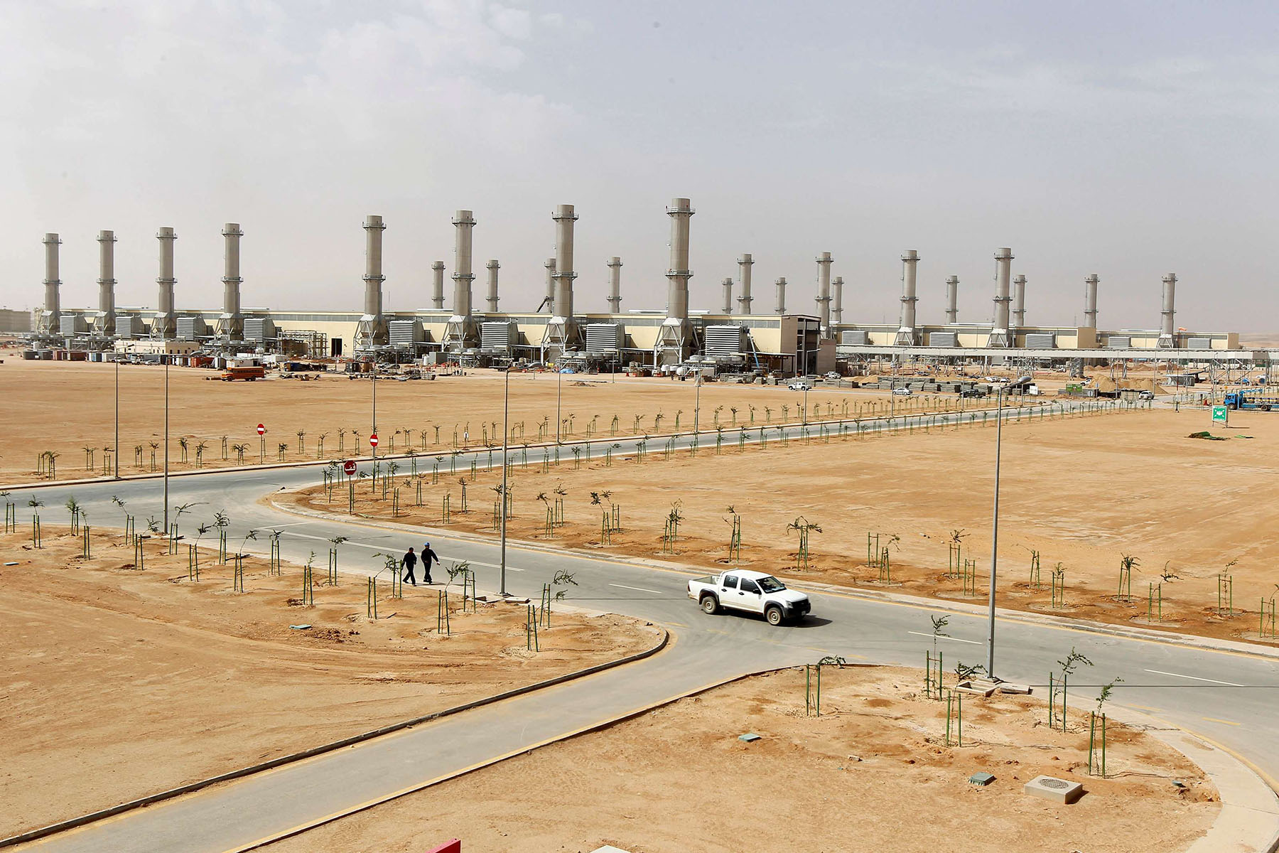 A power plant at Saudi Electricity Company's Central Operation Area, south of Riyadh. (REUTERS)