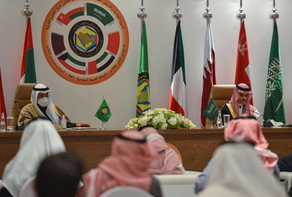 Saudi Foreign Minister Prince Faisal bin Farhan Al Saud (R) and Secretary-General of the Gulf Cooperation Council Nayef bin Falah al-Hajraf, hold a press conference at the end of the GCC's 41st summit in Al-Ula, Saudi Arabia, January 5, 2020. (AFP)
