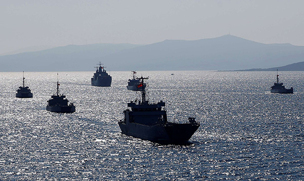 Turkish Navy ships take part in a landing drill during the Blue Homeland naval exercise off the Aegean coastal town of Foca in Izmir Bay, Turkey March 5, 2019. (REUTERS)
