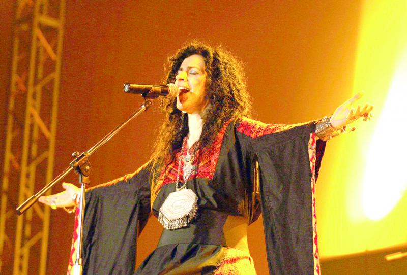 A 2009 file picture shows Palestinian singer Rim Banna performing during a concert in Damascus. (AFP)