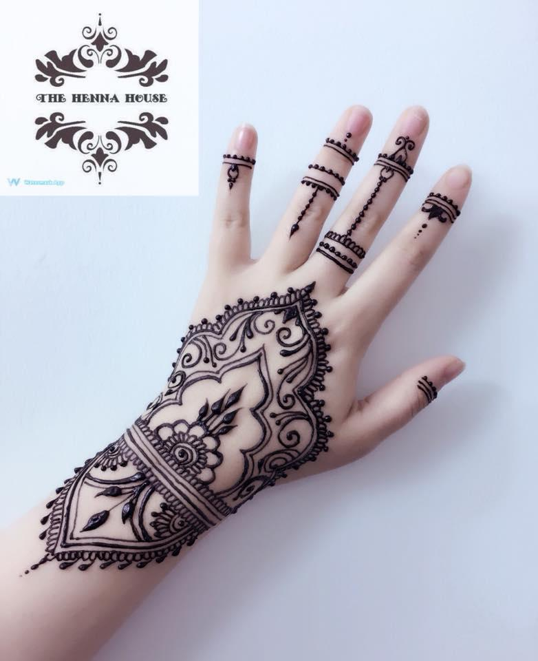 Henna And Tattoo Art: Traditional Art Of Henna Is Resisting Test Of Time In
