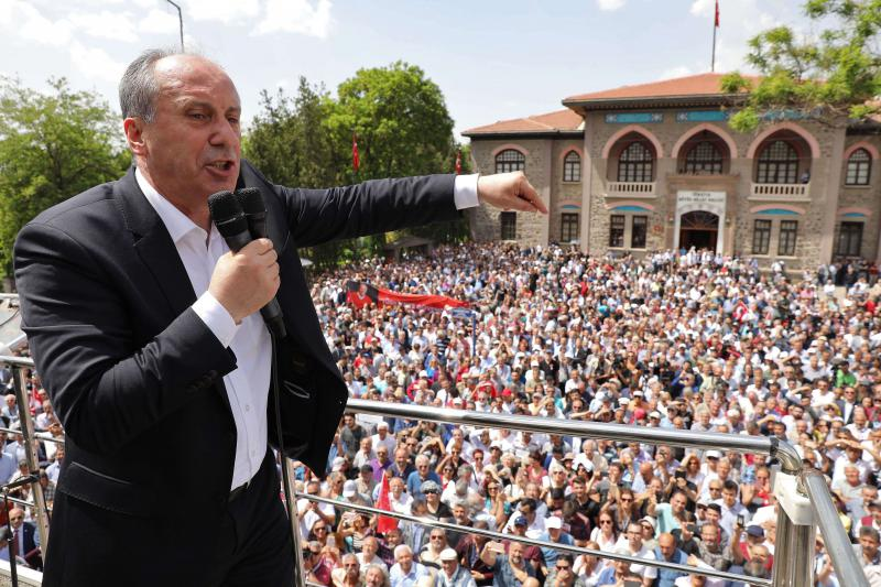 Turkey's main opposition Republican People's Party (CHP) candidate for the upcoming presidential election Muharrem Ince delivers a speech at the start of his campaign in Ankara,  on May 4. (AFP)