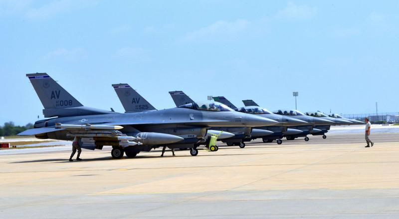 Shifting sands. F-16 Fighting Falcons sitting on the tarmac at the Incirlik Airbase in Turkey.(US Air Force)
