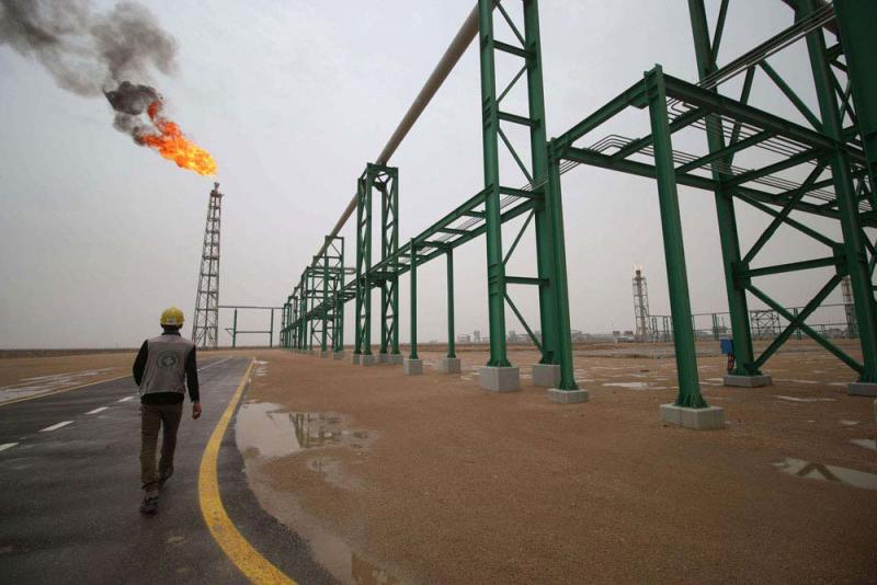 Despite fourth largest oil reserves, Iraq faces chronic electricity shortages Iraq_oil_AFP