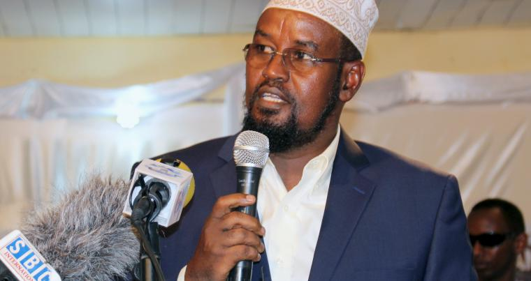 Jubaland President Ahmed Madobe speaks in the southern port town of Kismayu. (Reuters)