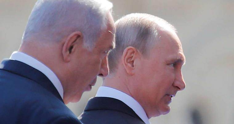 Russian President Vladimir Putin (R) and Israeli Prime Minister Binyamin Netanyahu in Moscow, on May 9. (Reuters)