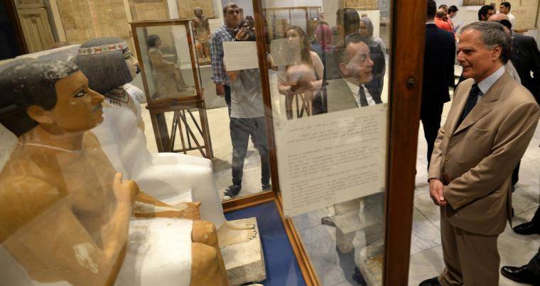 History to the rescue. Italy's Minister of Foreign Affairs Enzo Milanesi (R) visits the Egyptian Museum in Cairo's Tahrir Square, on August 5.  (AFP)