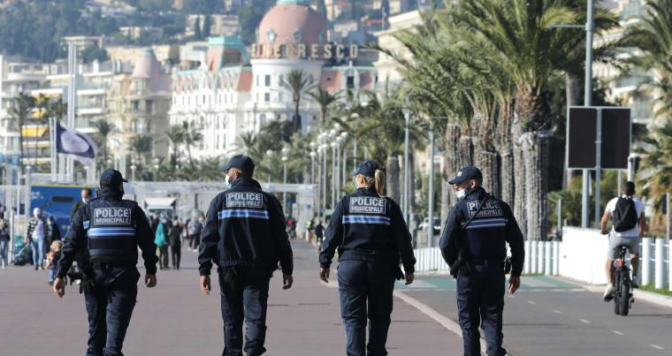 Municipal police officers patrol on the Promenade des Anglais in Nice, France, November 13, 2020. (AFP)