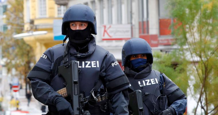 Armed police officers patrol in Vienna, Austria. (REUTERS)