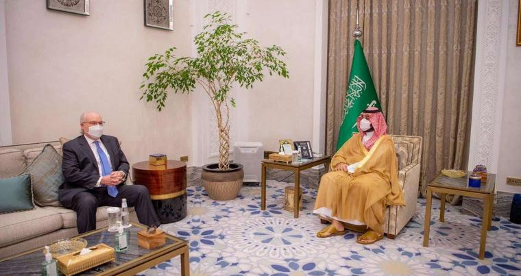 Saudi Crown Prince Mohammed bin Salman meets with U.S. Special Envoy for Yemen Tim Lenderking in Riyadh, Saudi Arabia April 30, 2021. (REUTERS)